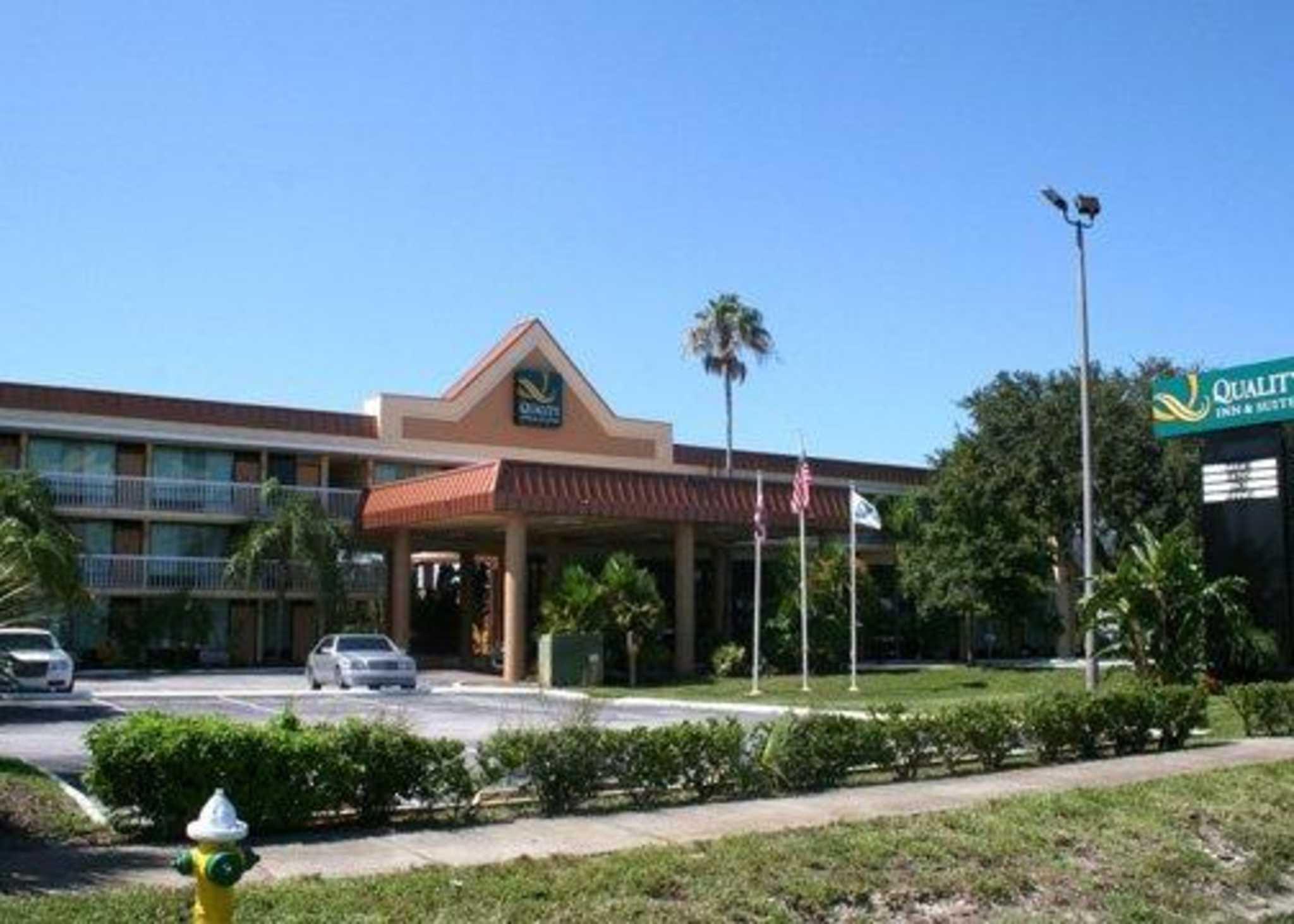 Quality Inn Amp Suites Tarpon Springs Florida Fl