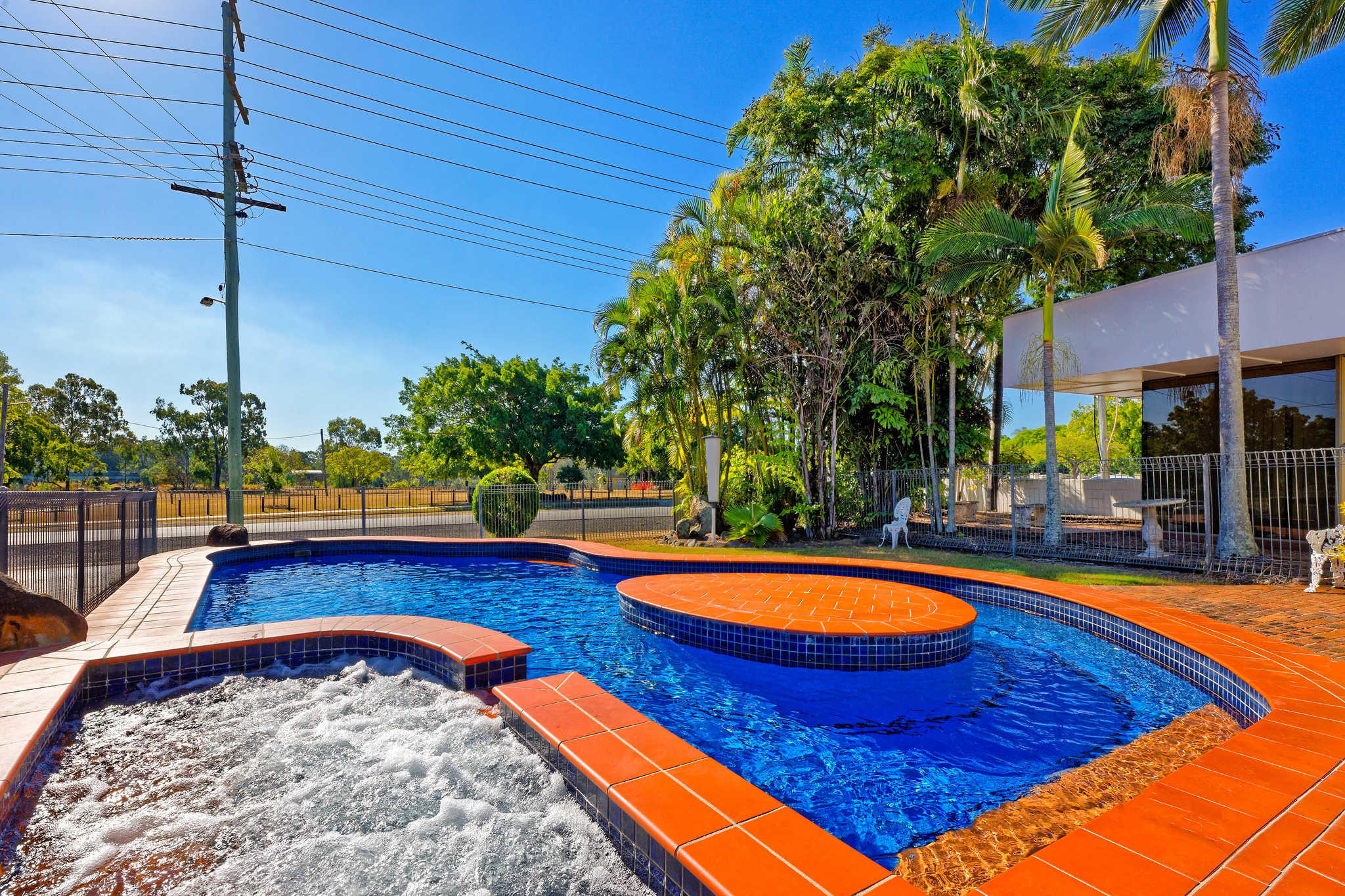 Econo Lodge Park Lane - Bundaberg, QLD 4670 - (07) 4151 2341 | ShowMeLocal.com