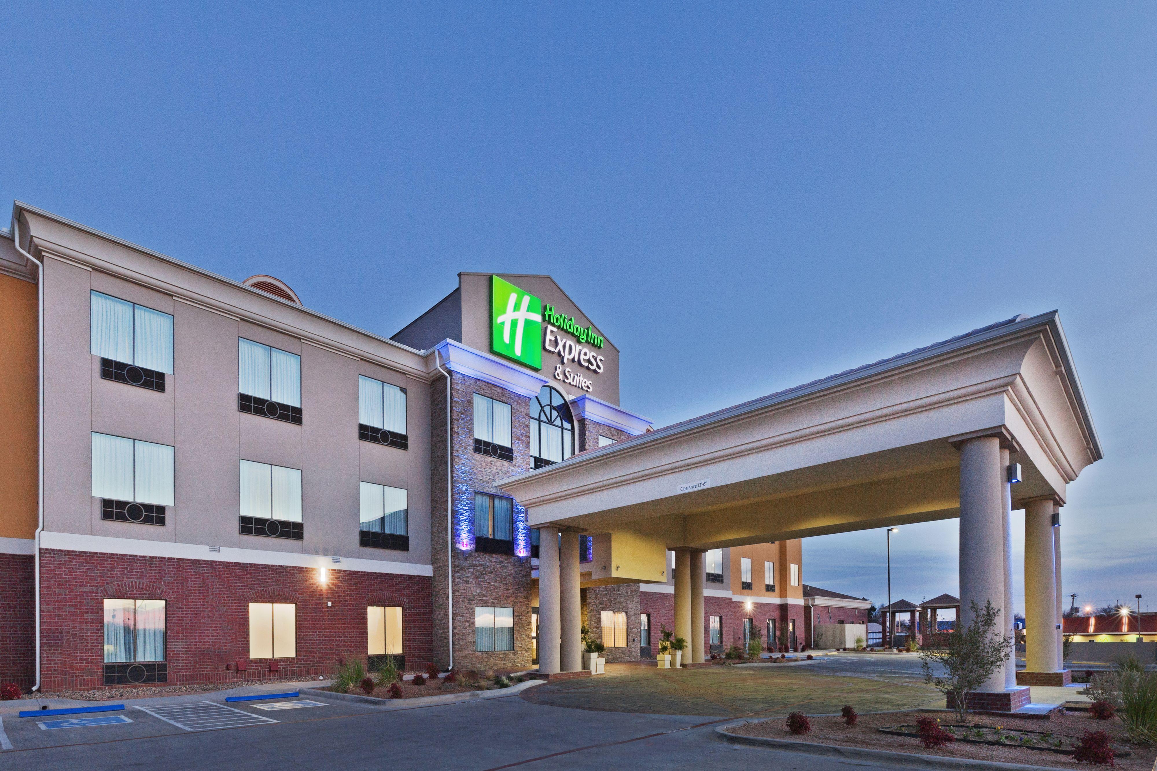 Holiday Inn Express Suites Brooksville West Brooksville