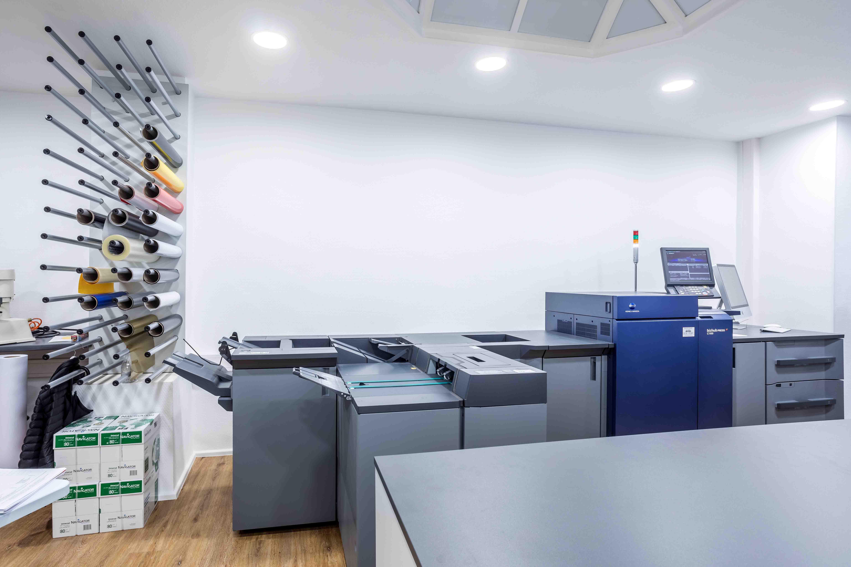 Foto de Digitalprint Express Digitaldruck, Schilder, Werbetechnik  & Copyshop Bonn Rhein Sieg Bonn