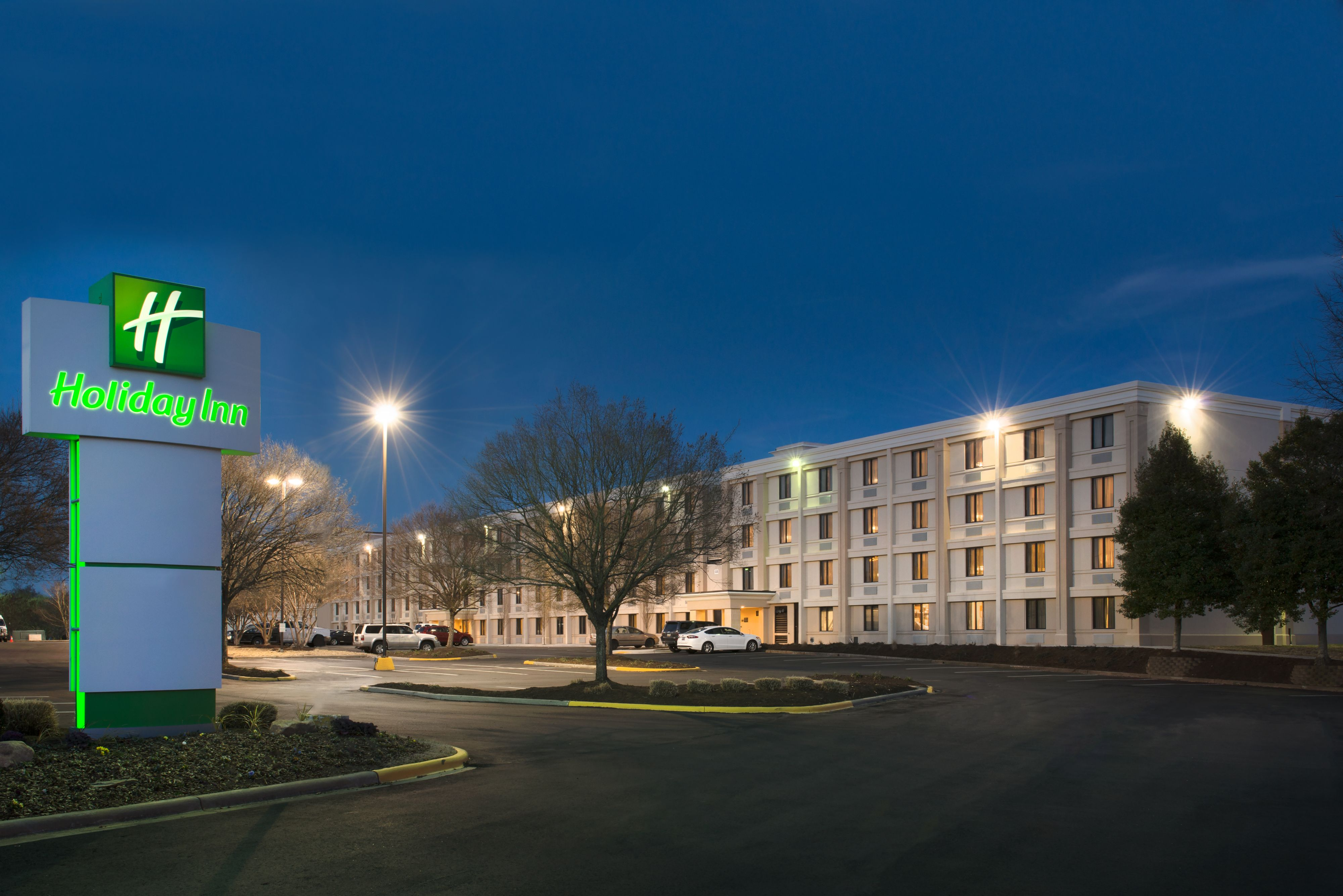 Holiday inn hotel suites charleston west in charleston for Capital city arts and crafts show charleston wv