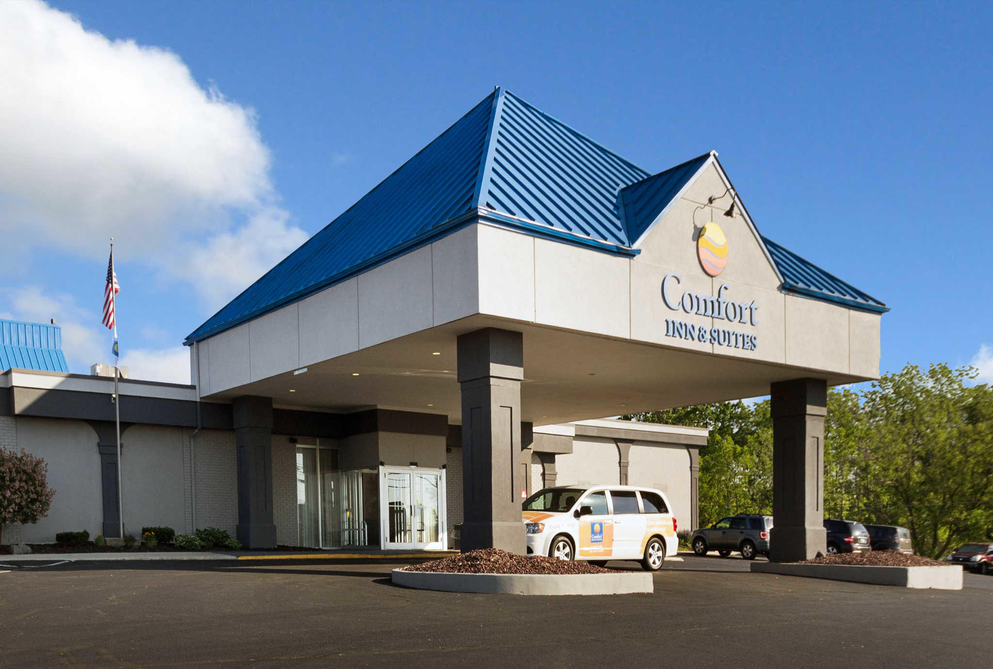 Comfort Inn Amp Suites Airport Syracuse New York Ny