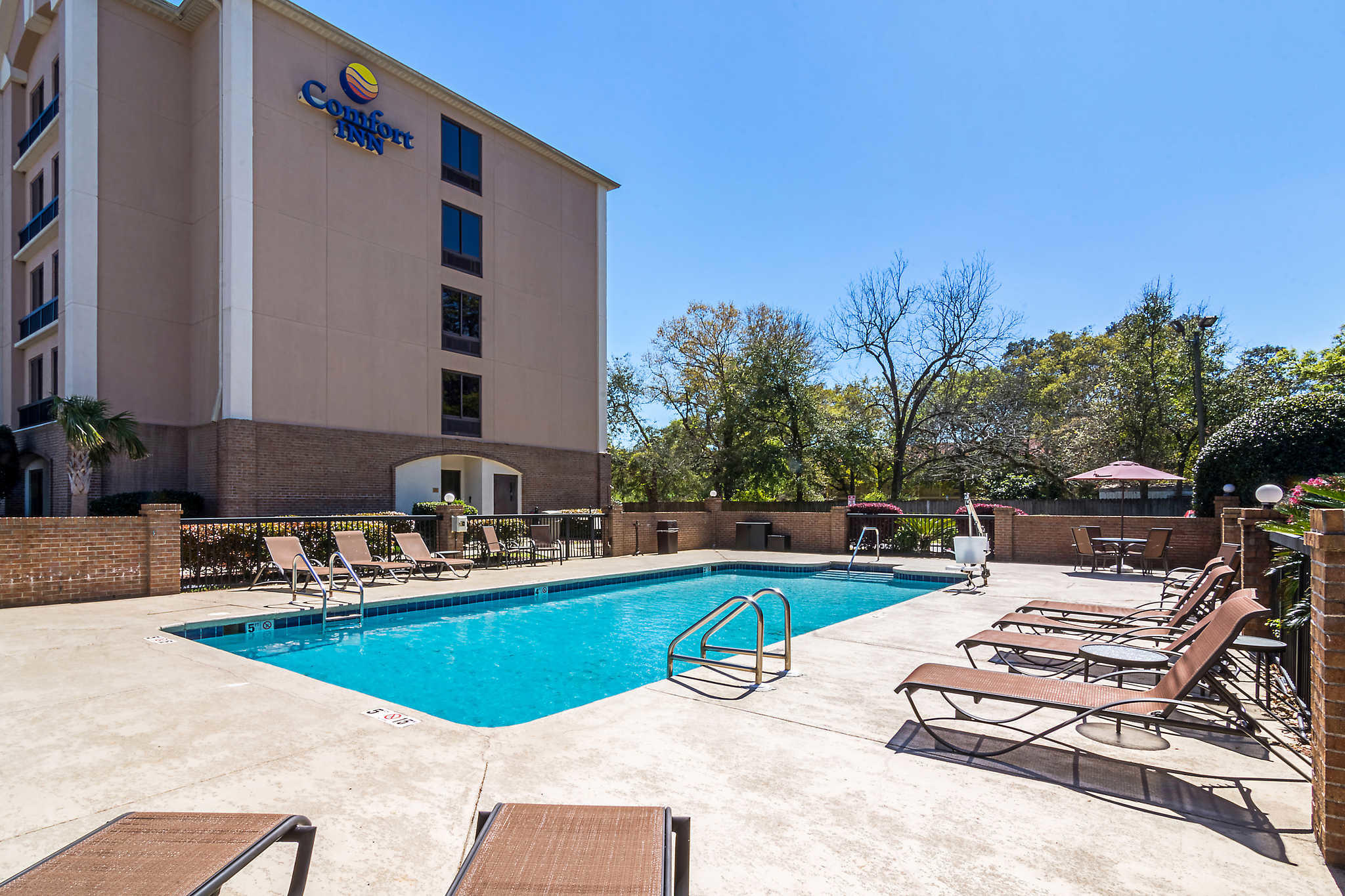 Cheap Hotels in Pensacola, FL | Red Roof Inn & Suites