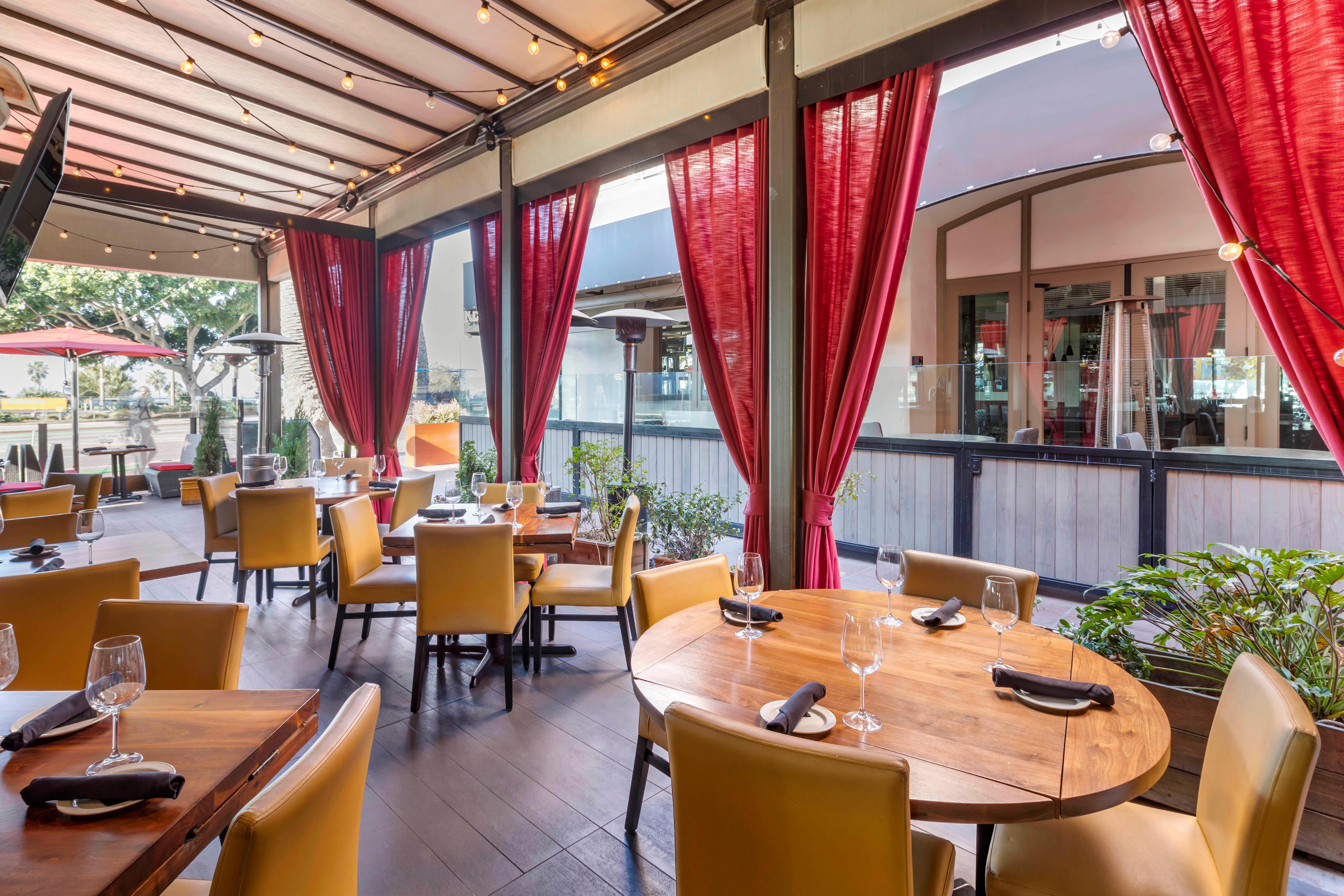 Del Frisco's Grille Santa Monica VIP Patio group dining room