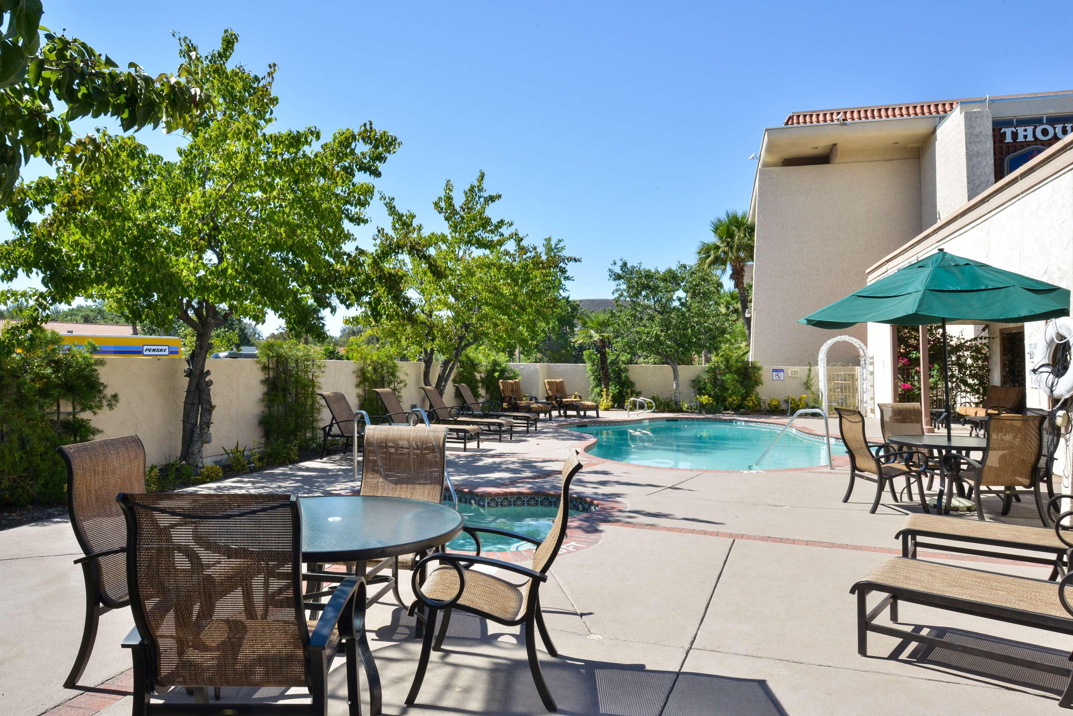Hotels In Thousand Oaks Area
