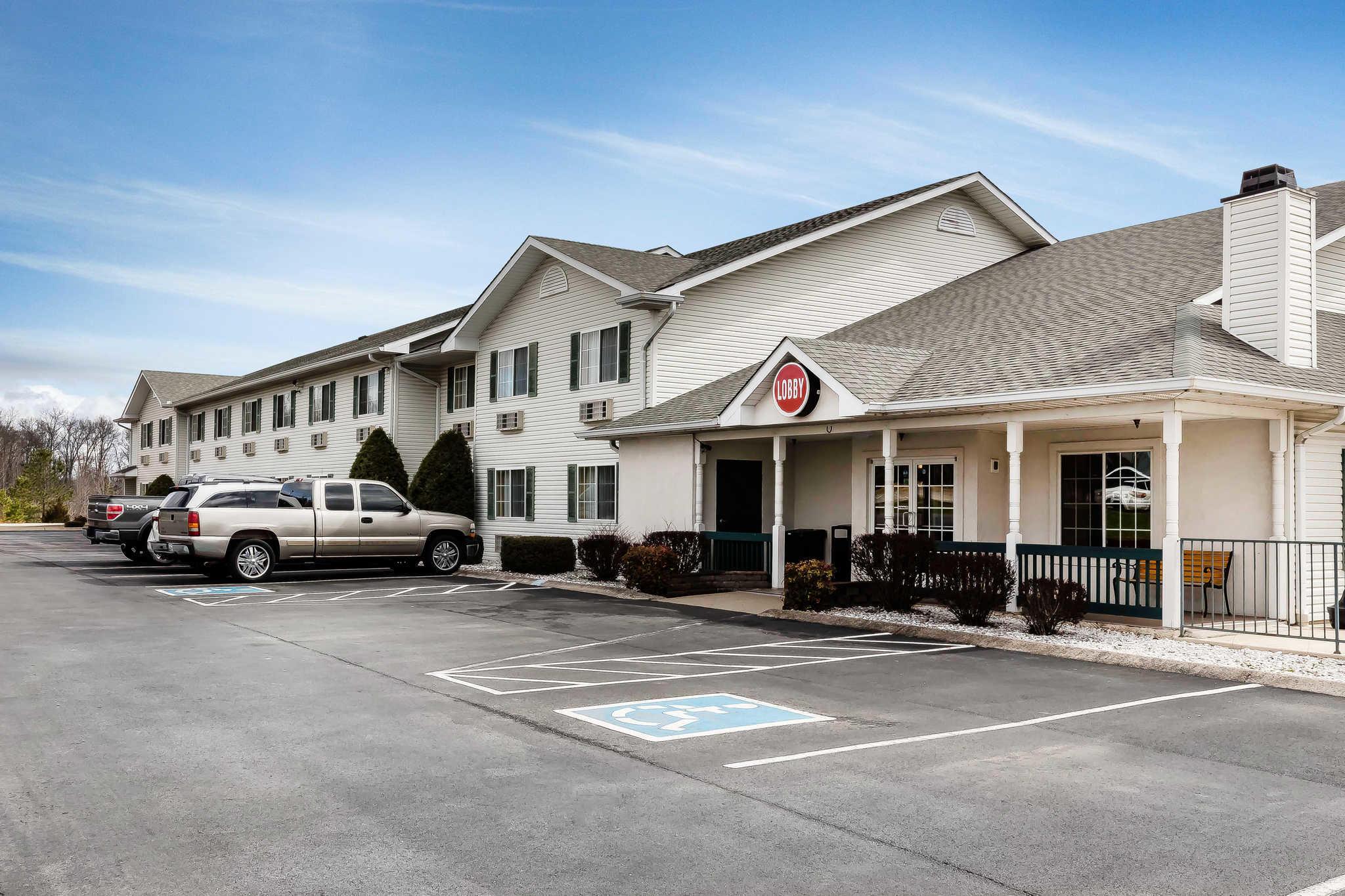 Hotels Near Dickson Tn