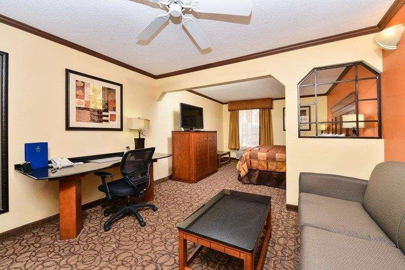 Best Western Plus Midwest Inn Amp Suites Salina Kansas Ks