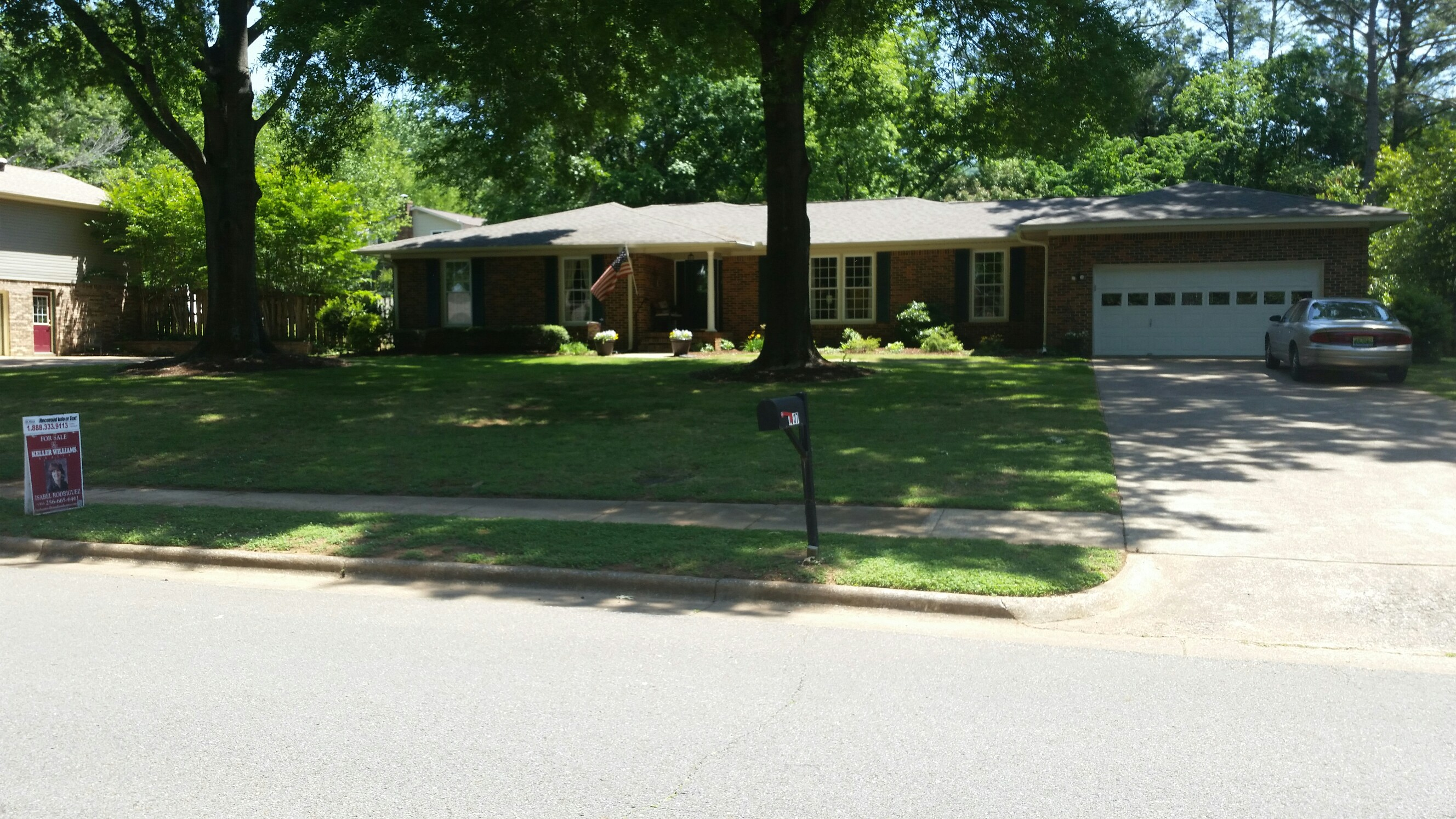 Harrell lawn care services llc huntsville alabama al for Local lawn care services