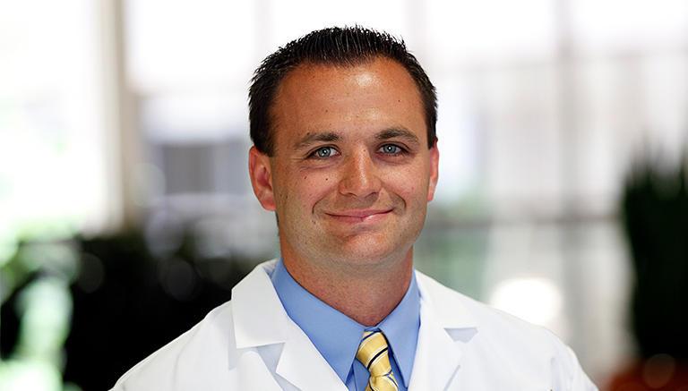 Aaron J Dent Ophthalmology