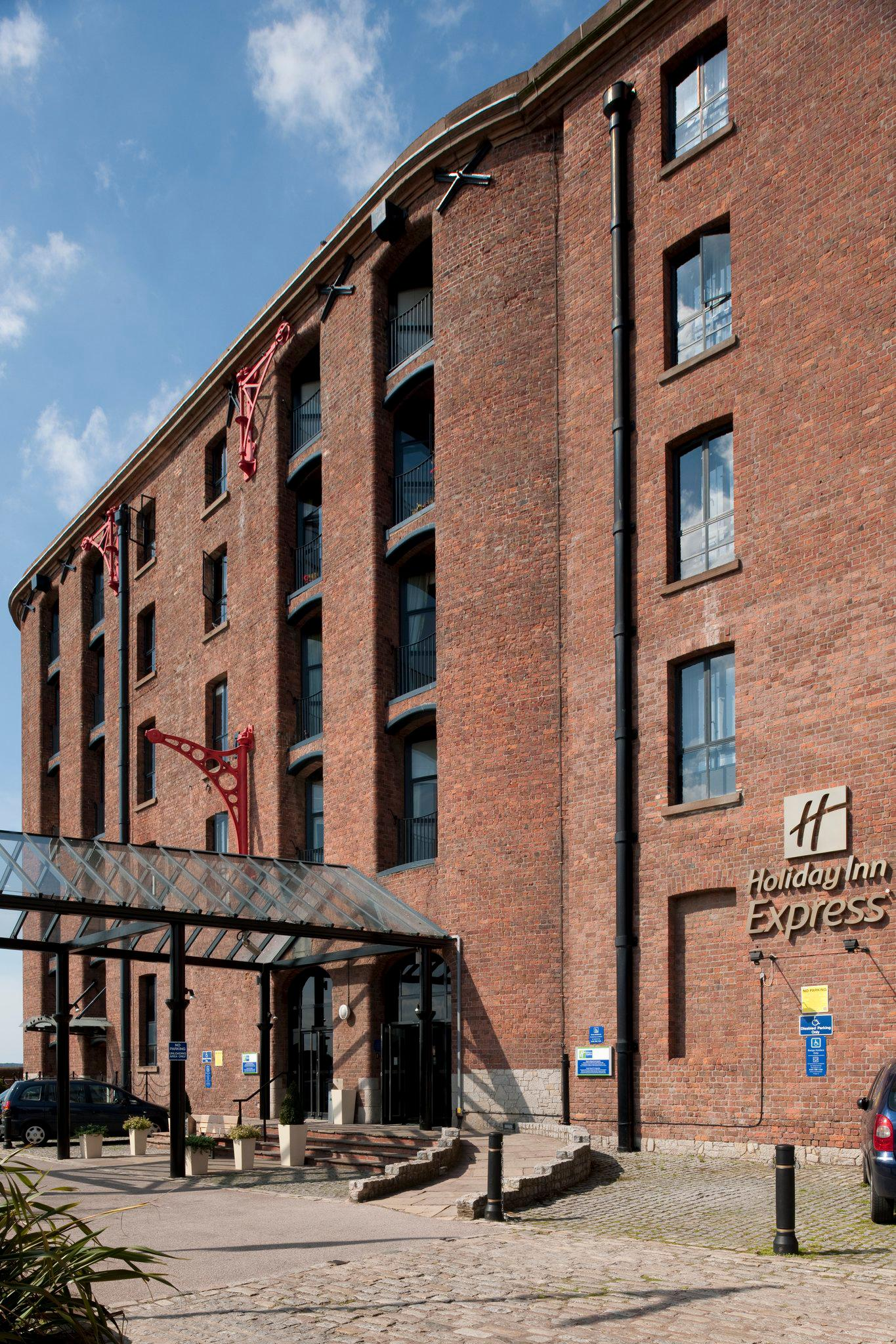 Holiday Inn Express Liverpool - Royal Albert Dock, an IHG Hotel
