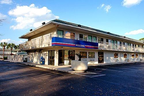 Motel 6 Gulfport image 2