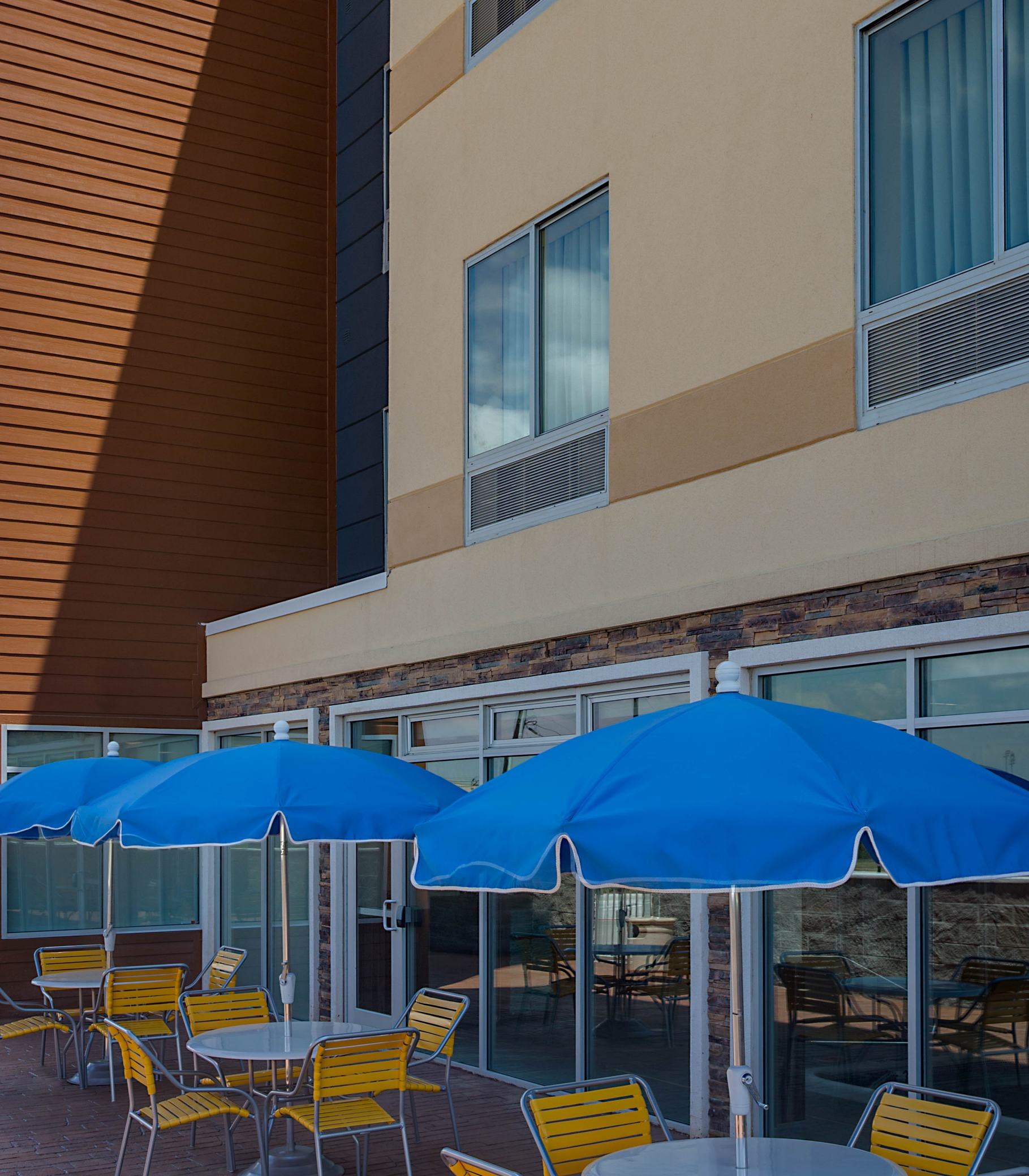 Holiday Inn Express Dallas: Fairfield Inn & Suites By Marriott Dallas West/I-30