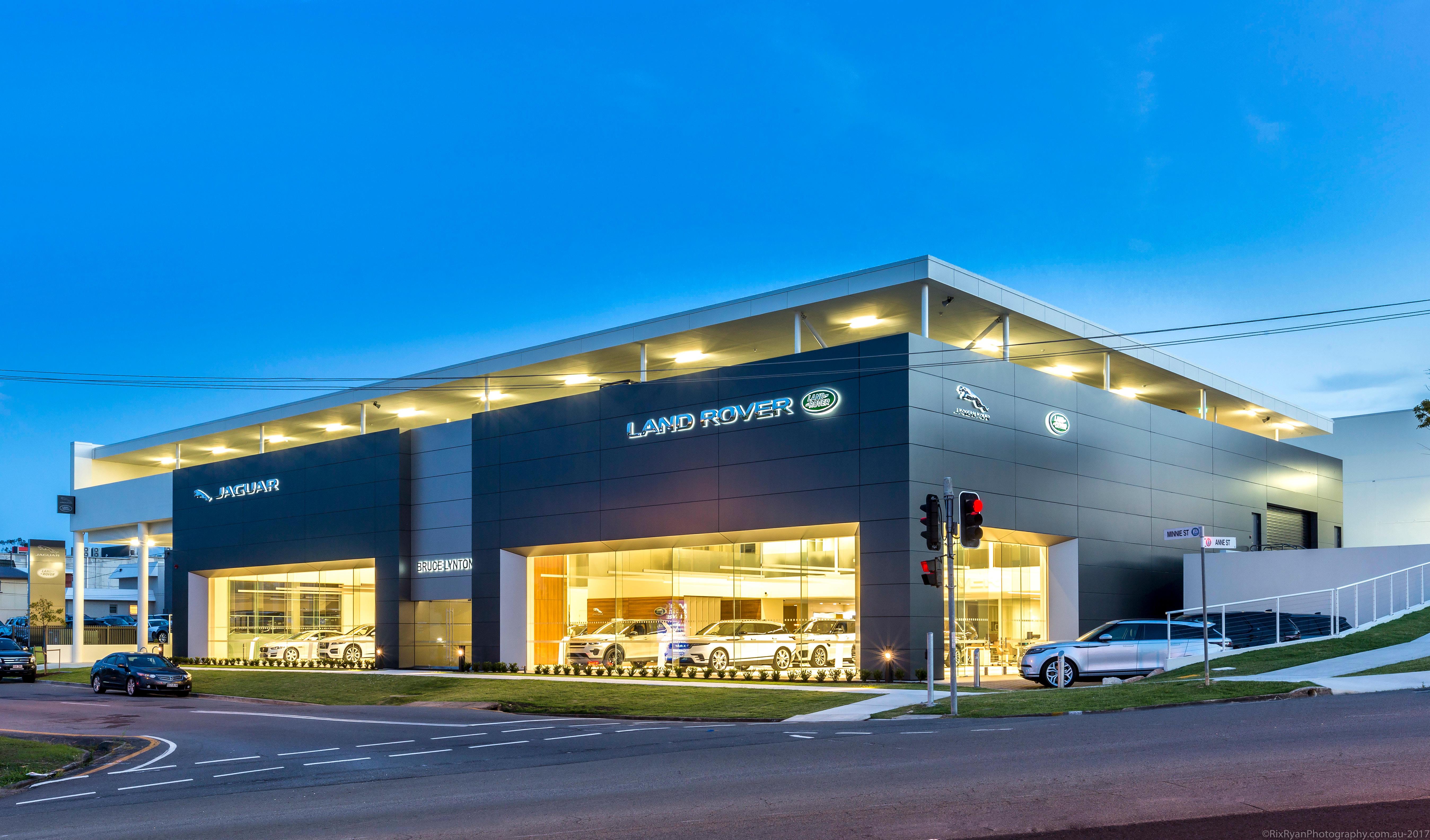 Bruce Lynton Land Rover