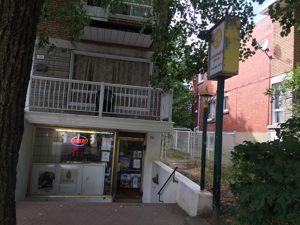 Dépanneur Petit-Mi Inc à Montréal