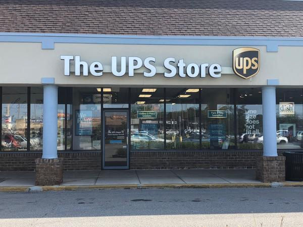 The Ups Store Yorktown Center Plaza Shipping Packing Printing