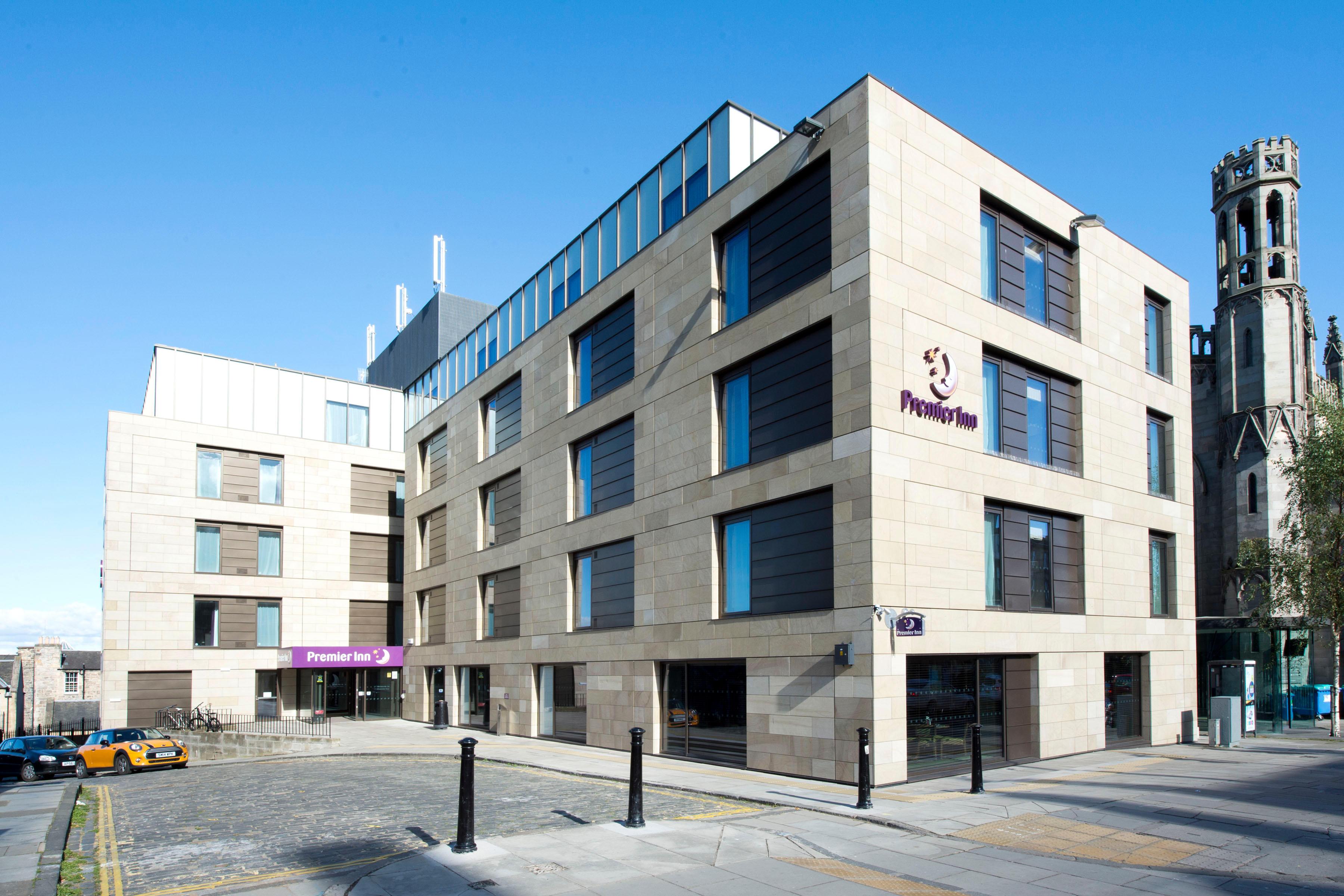 Premier Inn Edinburgh City Centre (York Place) hotel