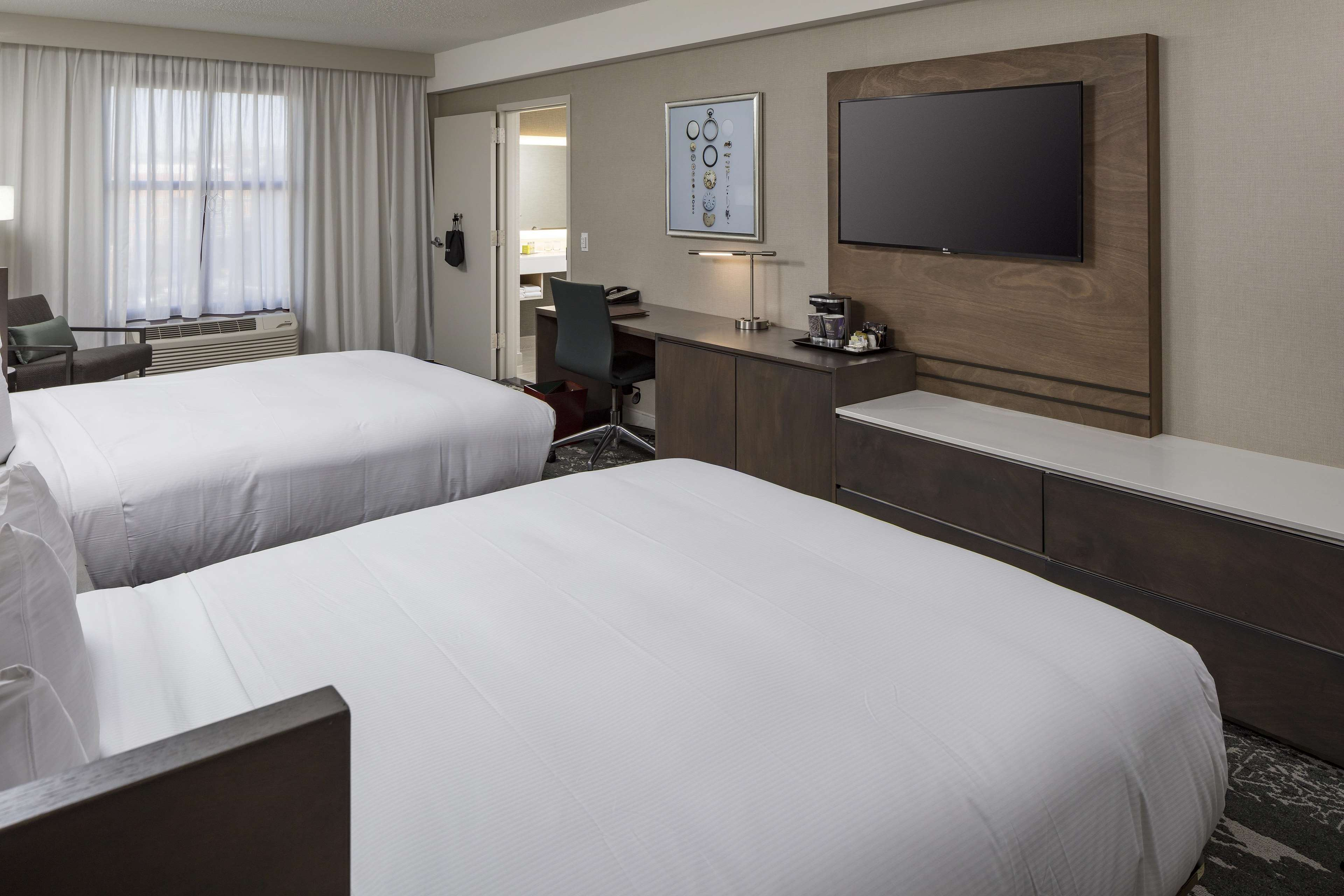 DoubleTree by Hilton Boston Logan Airport Chelsea