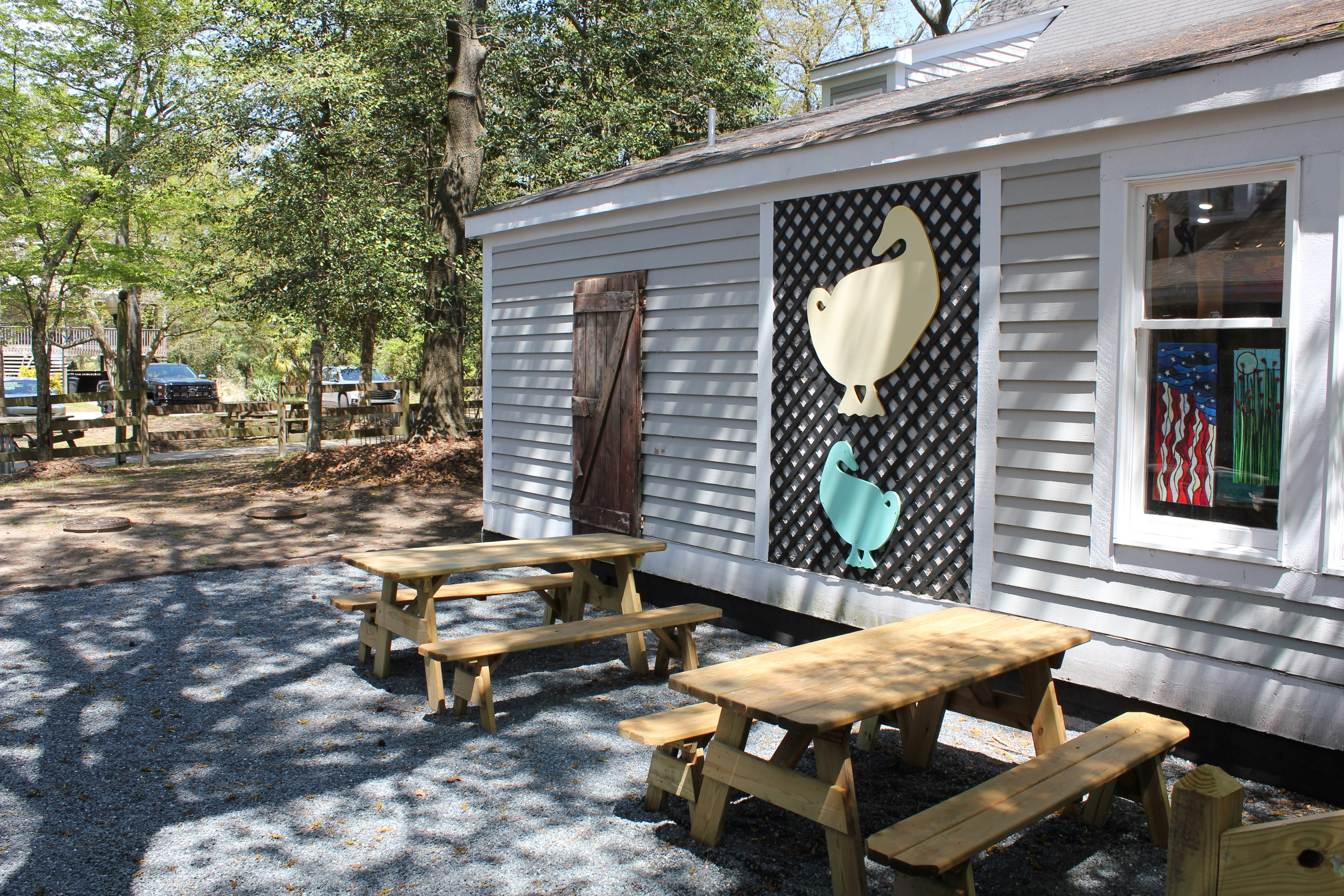 Scarborough Faire Shopping Village Outdoor Dining Area in Duck, North Carolina. Scarborough Faire Shopping Village Duck (540)272-0975
