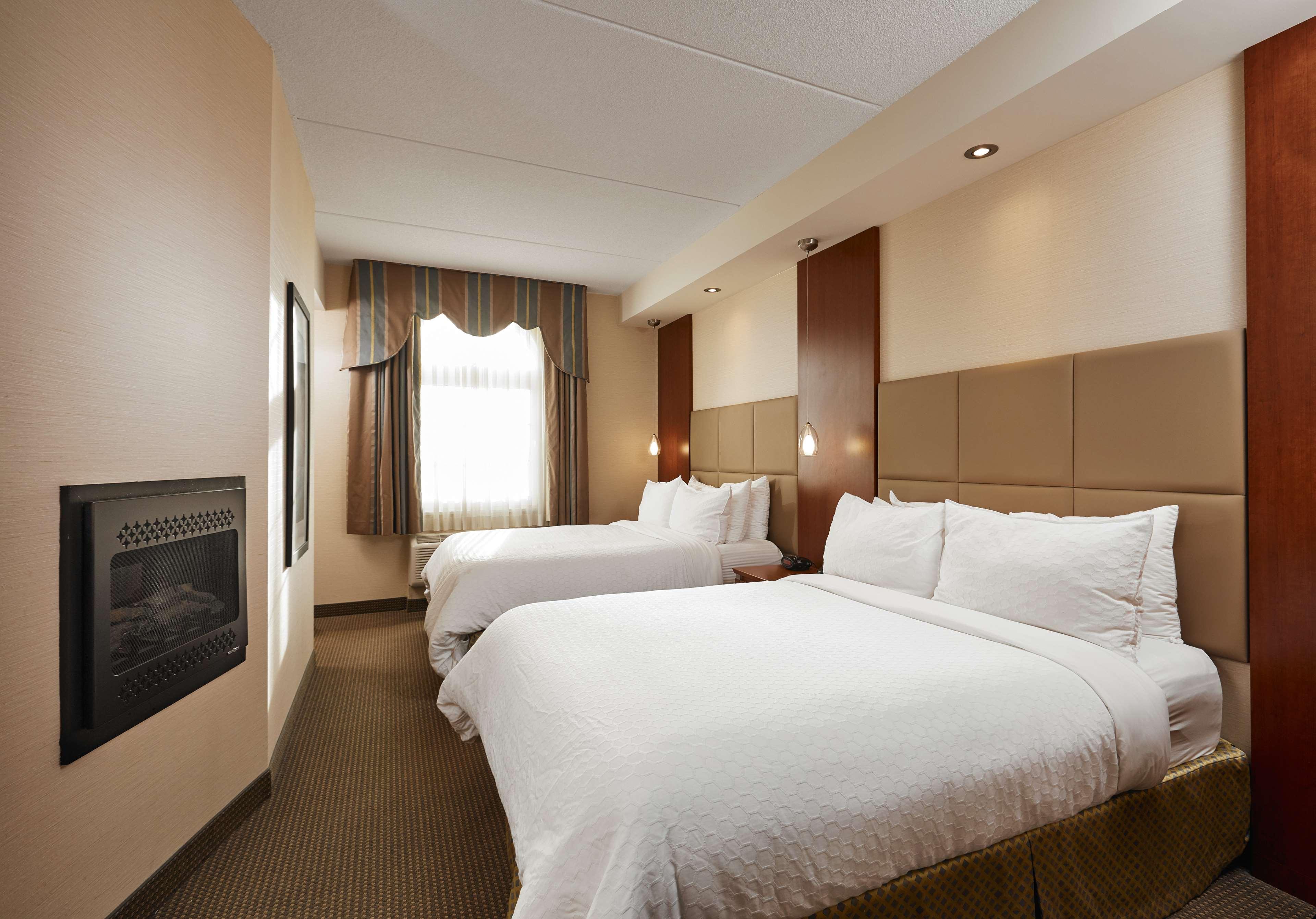 2 Queens Guest Room Best Western Plus Orangeville Inn & Suites Orangeville (519)941-3311