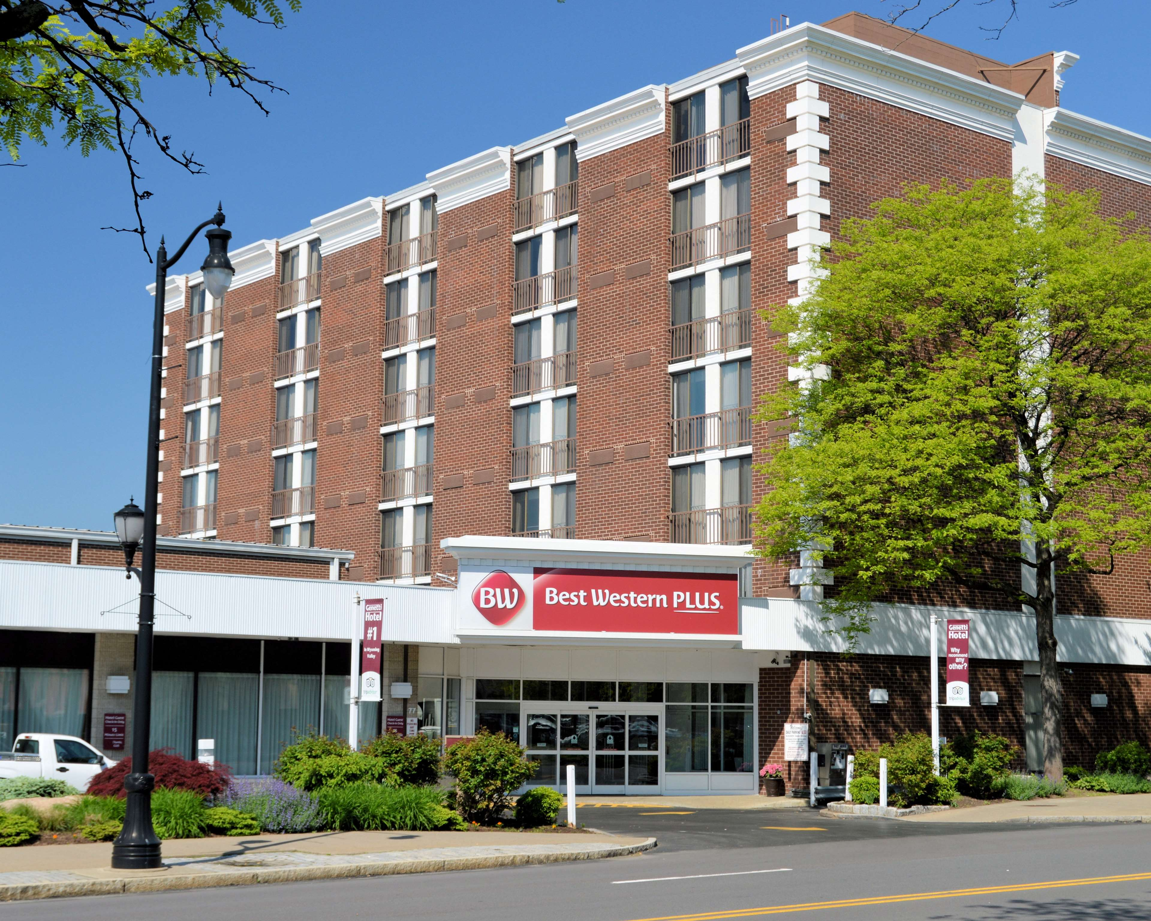 Best Western Plus Genetti Hotel And Conference Center