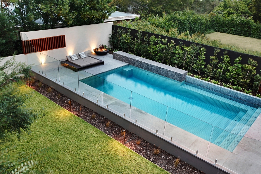 Safeguard mesh glass pool fence company in san diego ca for Glass pool fences