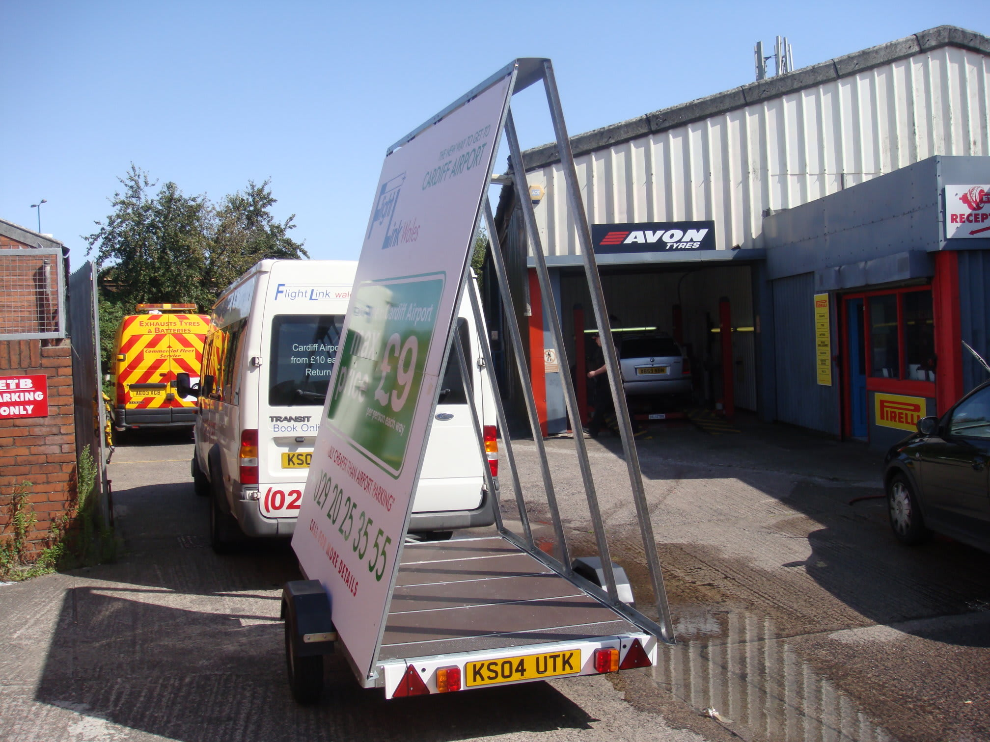 S G M Towing Cardiff 02920 371379