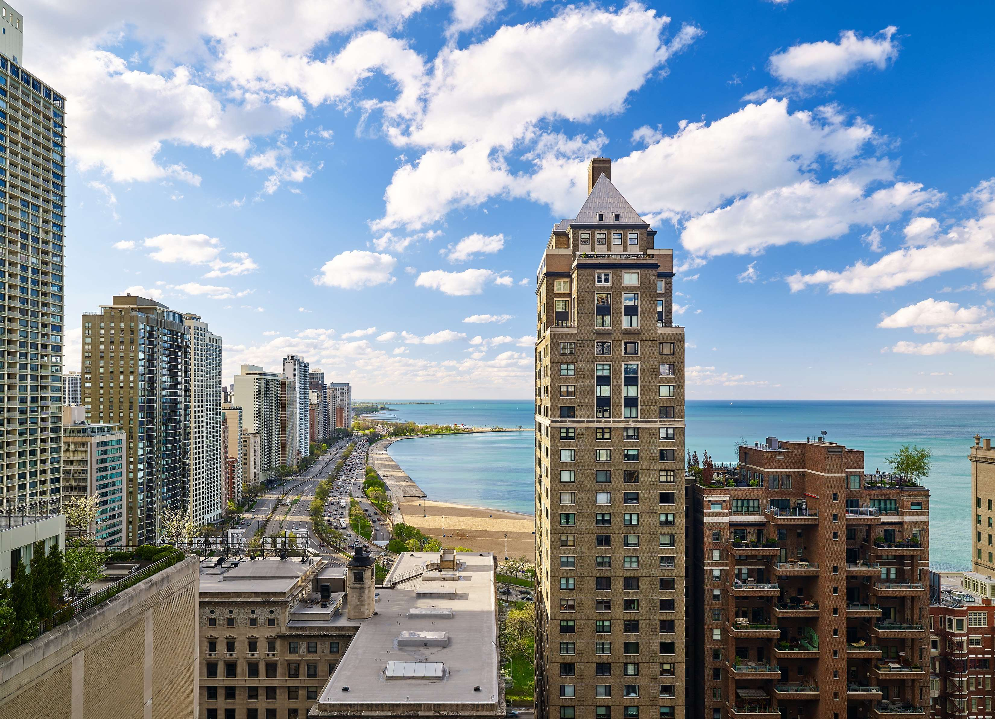 Westin chicago michigan ave restaurants may 23 2018 for Avenue hotel chicago