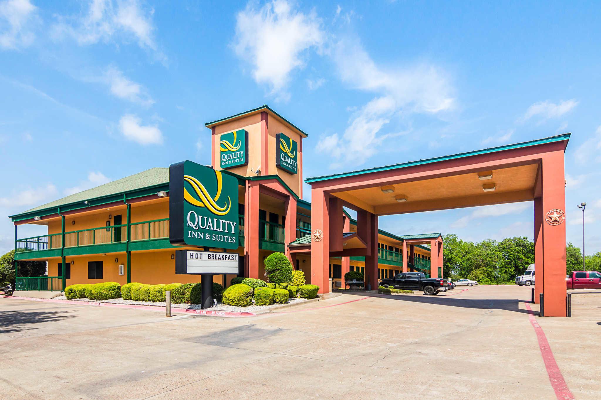 Holiday Inn Hotels Around La