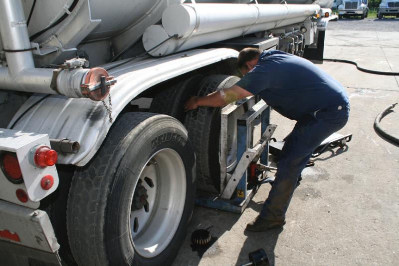 MTS Truck & Trailer Repair Tire Replacement