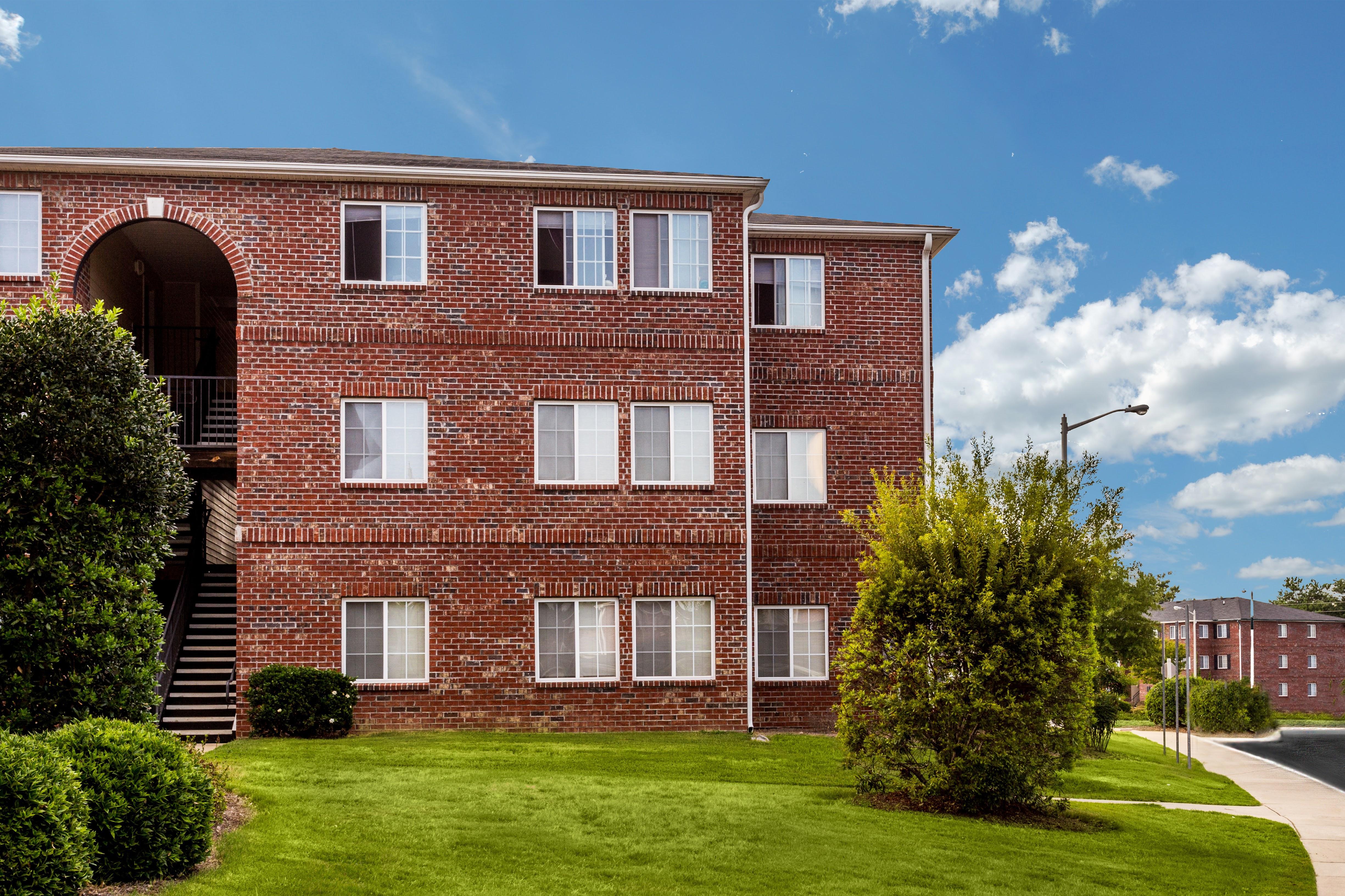 Eagle Point Village Apartments Fayetteville Nc