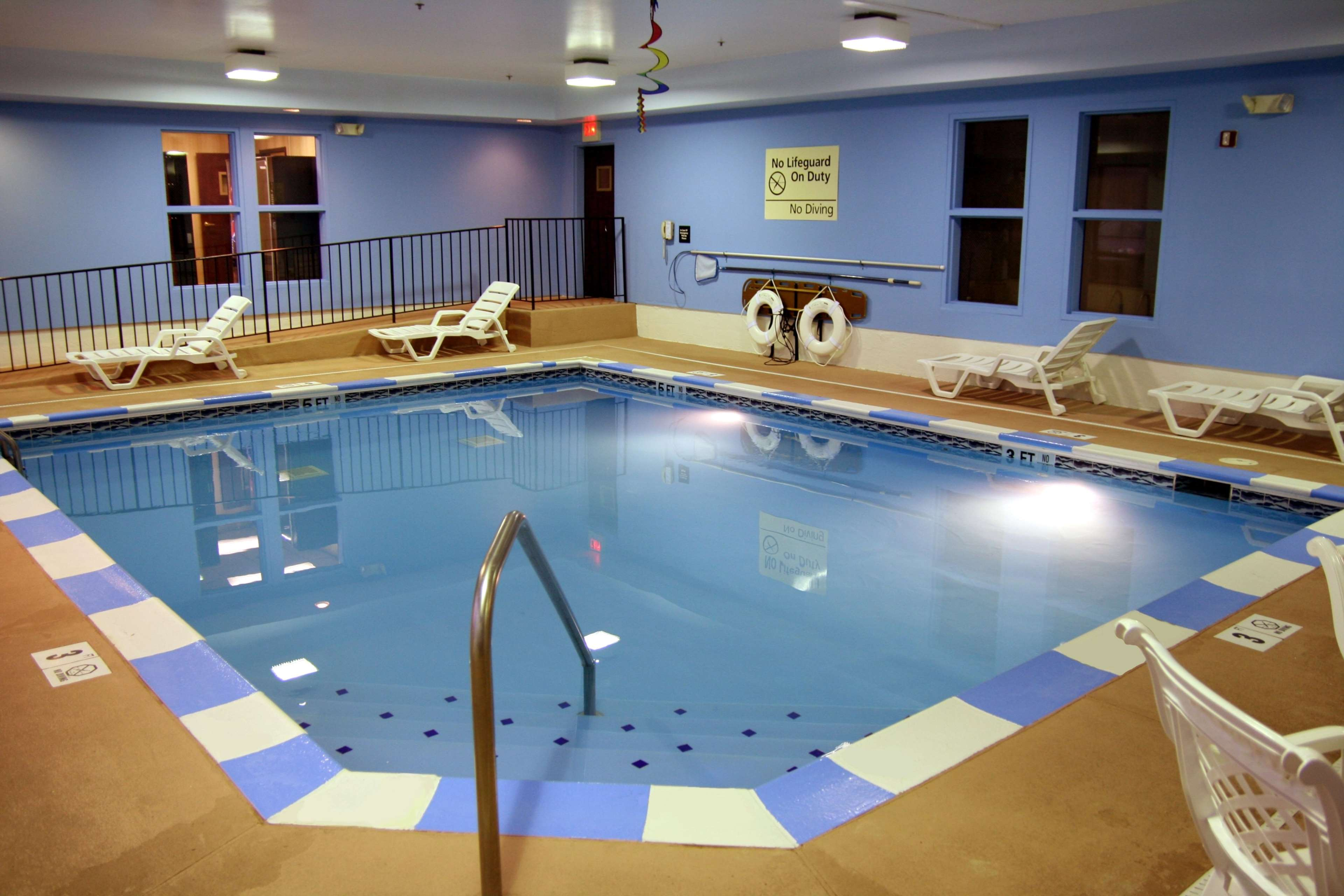 Hampton Inn Ashland - Ashland, KY 41102 - (606)928-2888   ShowMeLocal.com