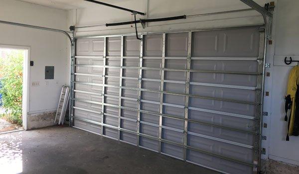 Rolling steel garage doors in bradenton garage for Garage door repair bradenton