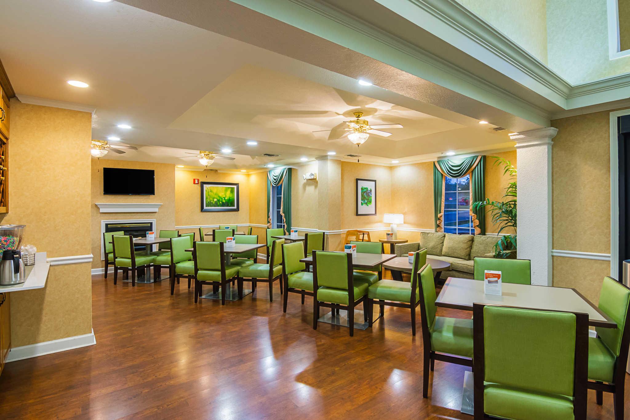 quality inn crestview florida fl. Black Bedroom Furniture Sets. Home Design Ideas