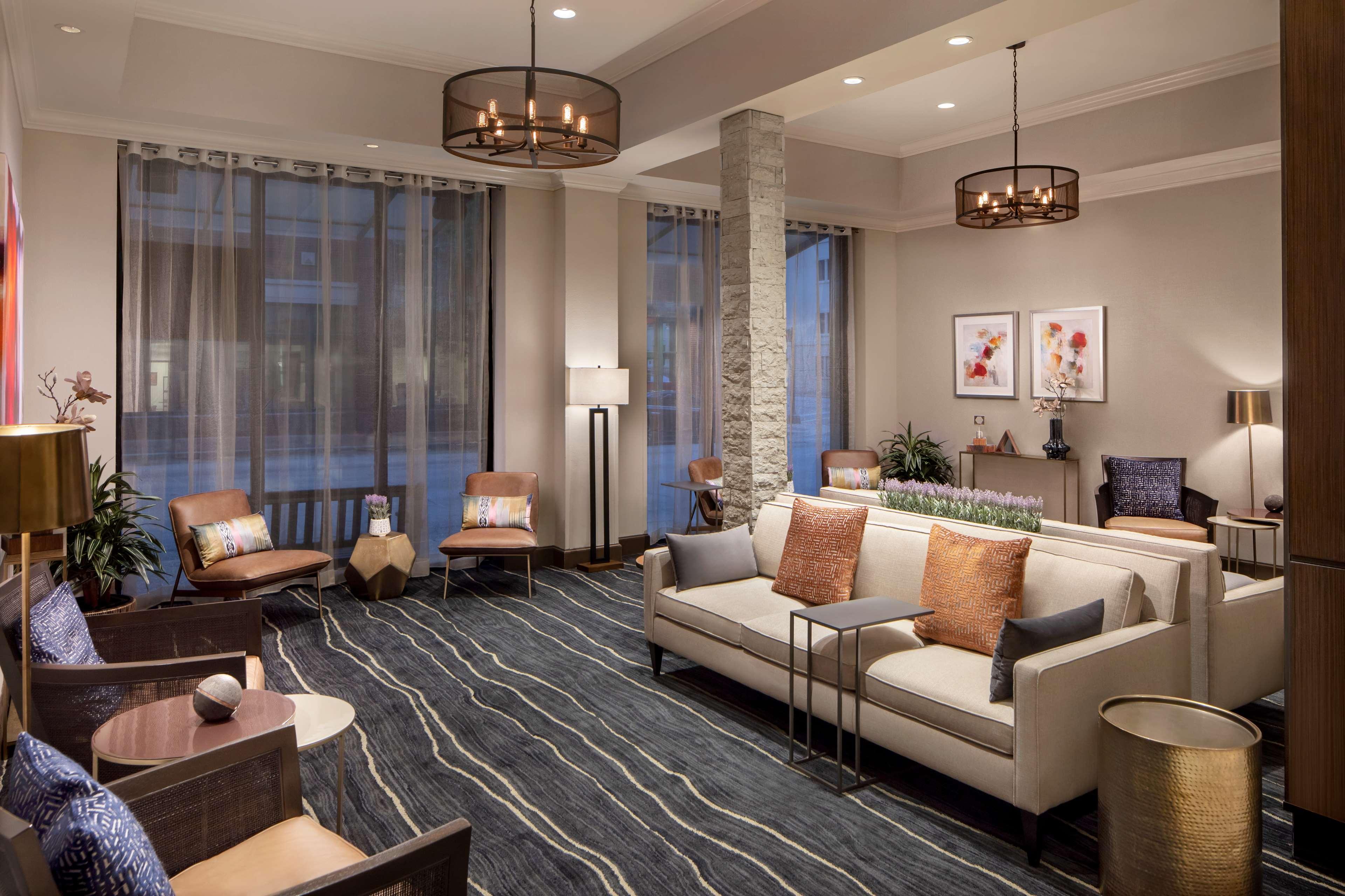 embassy suites by hilton fort worth downtown fort worth. Black Bedroom Furniture Sets. Home Design Ideas
