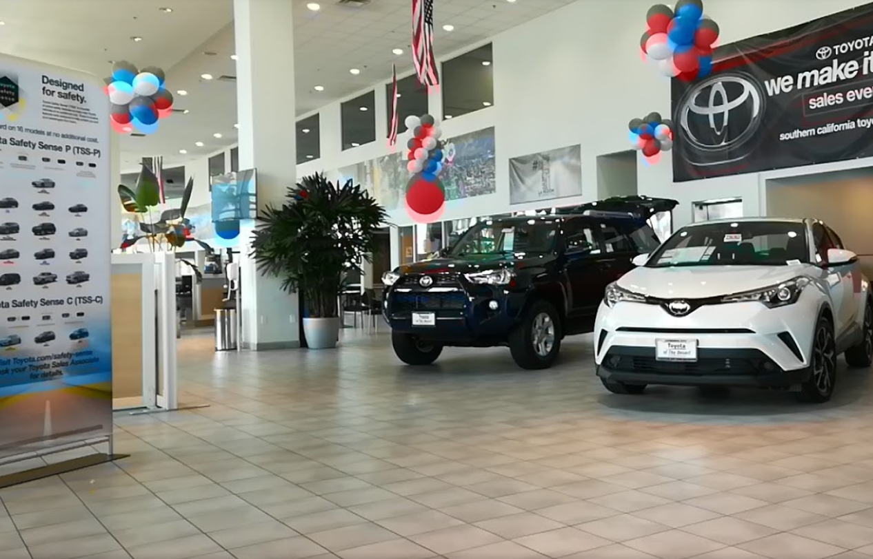 Toyota of the desert cathedral city california ca for Plaza motors collision center