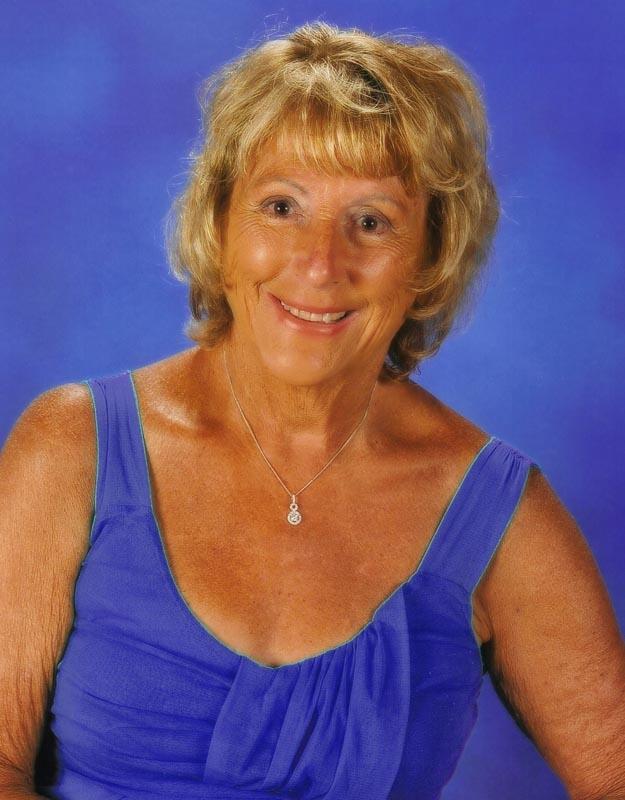 Myrna Lou - Master Palmist/ Soulmate Specialist