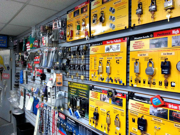 West Coast Mobile Locksmiths in Burnaby: Contact us for residential lock services!