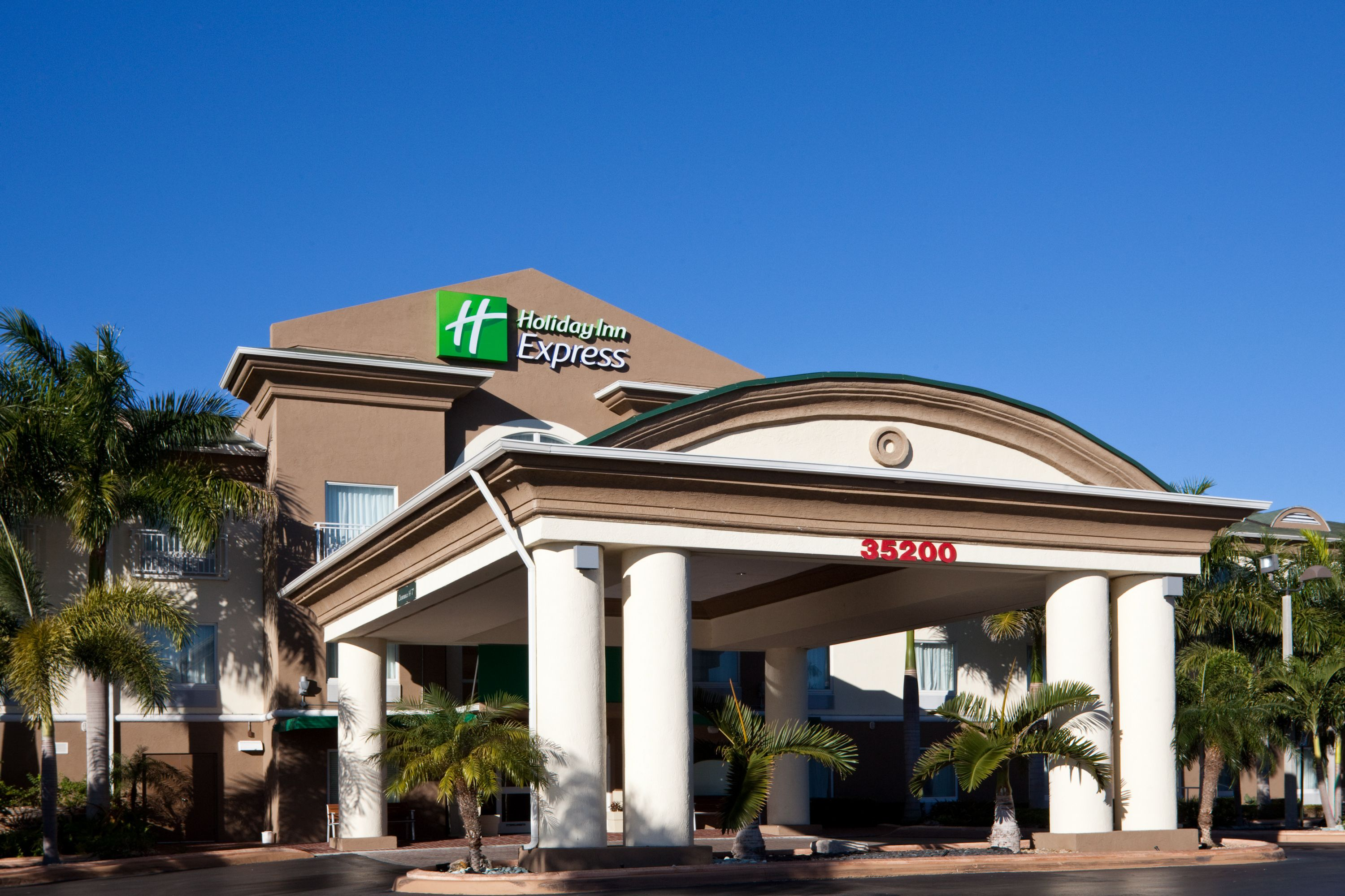 Holiday Inn Express Amp Suites Florence Northeast Florence