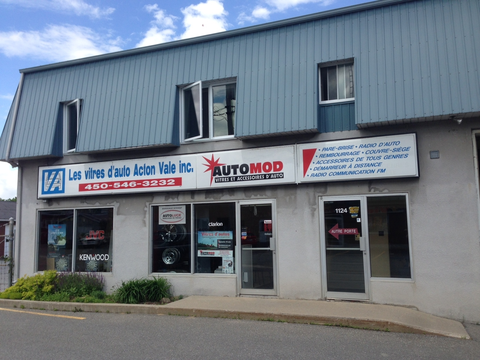 Auto Glass Shop in QC Acton Vale J0H 1A0 Automod Les Vitres D'Auto Acton Vale 1124 rue Boulay  (450)546-3232