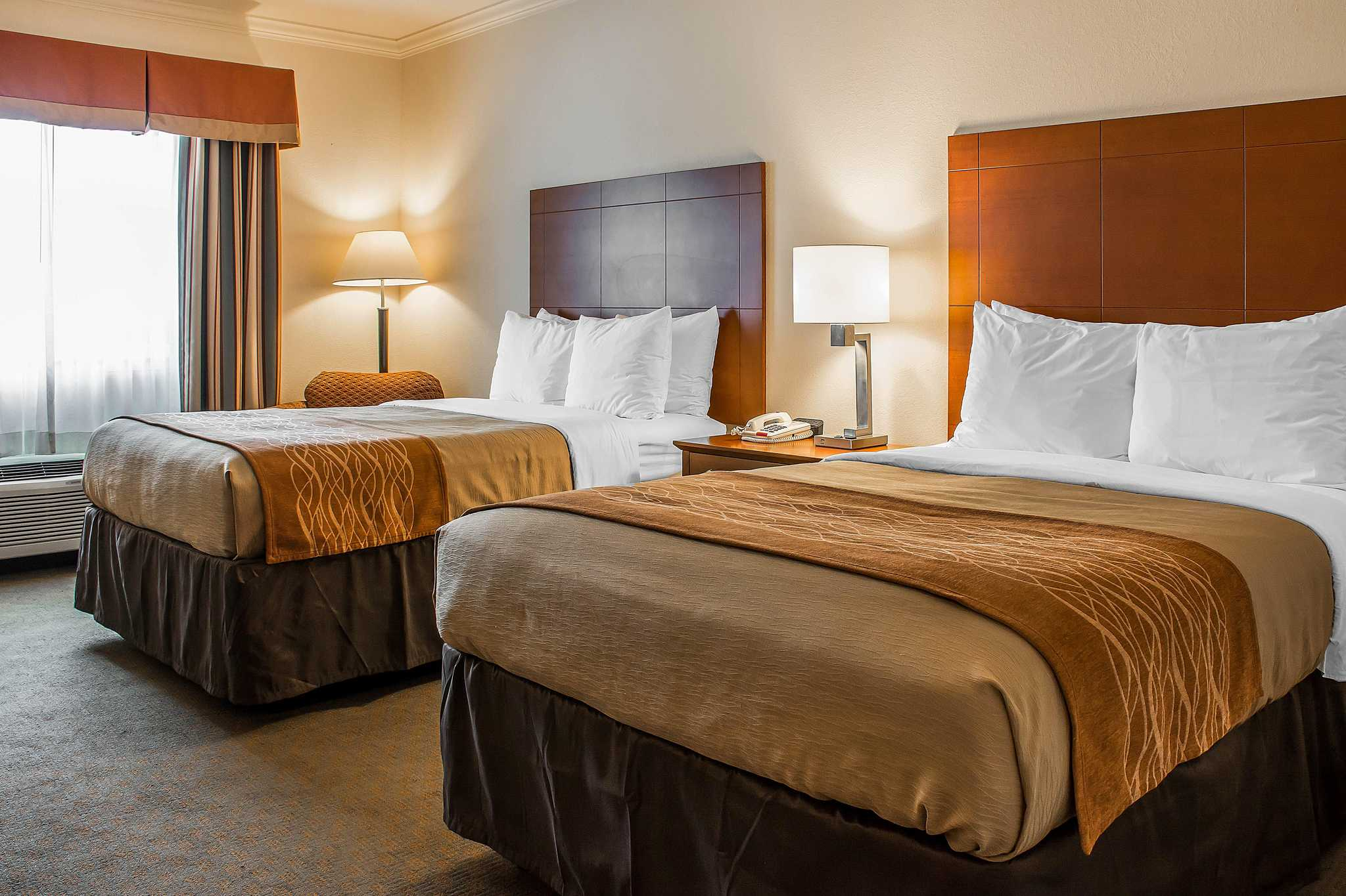 Comfort inn huntsville al wwwchoicehotelscom for Comfort inn bedding