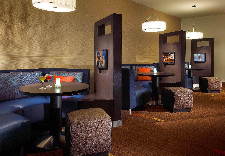 Hotels Near Disneyland - BEST WESTERN PLUS Pavilions