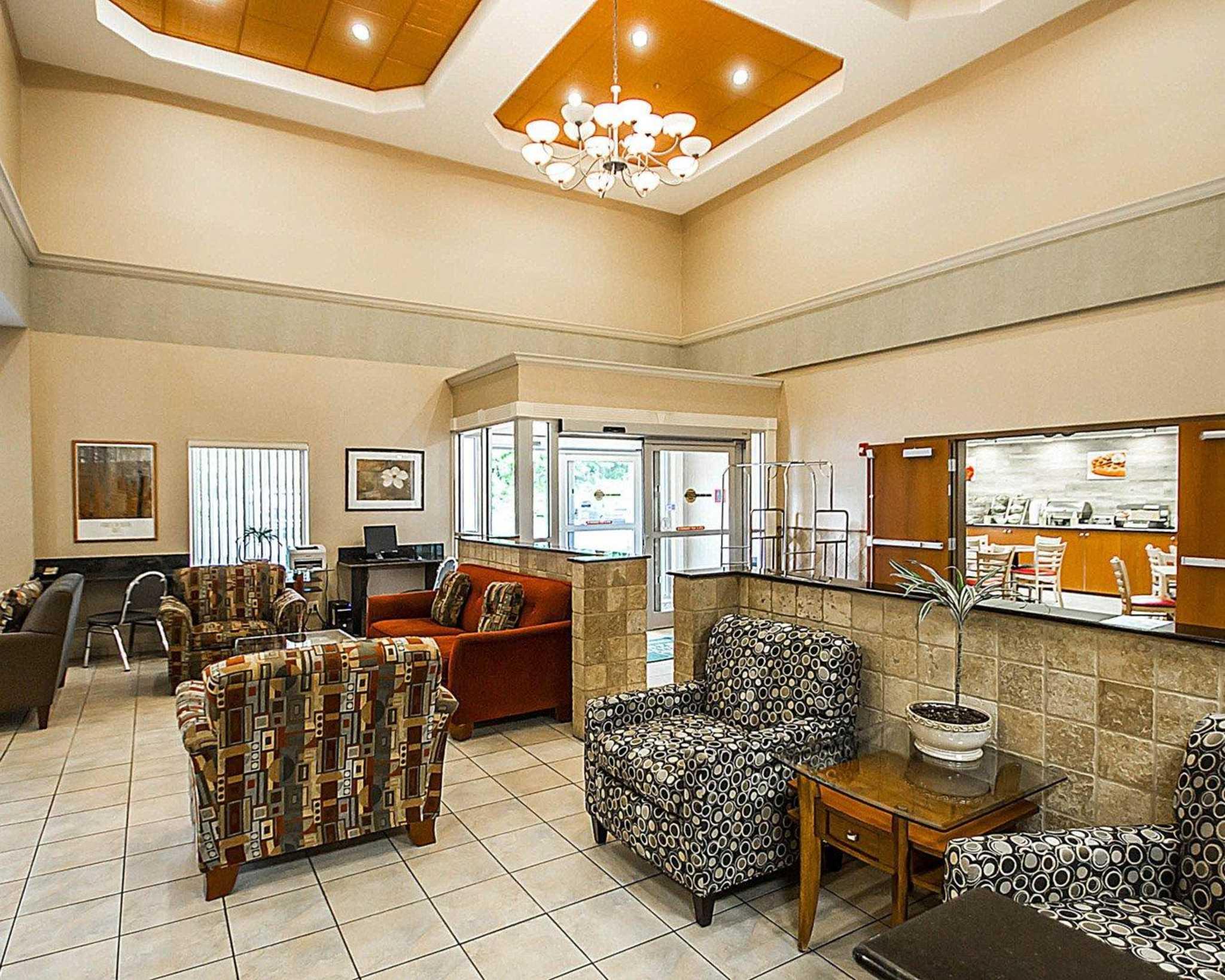 quality inn suites fishkill new york ny. Black Bedroom Furniture Sets. Home Design Ideas