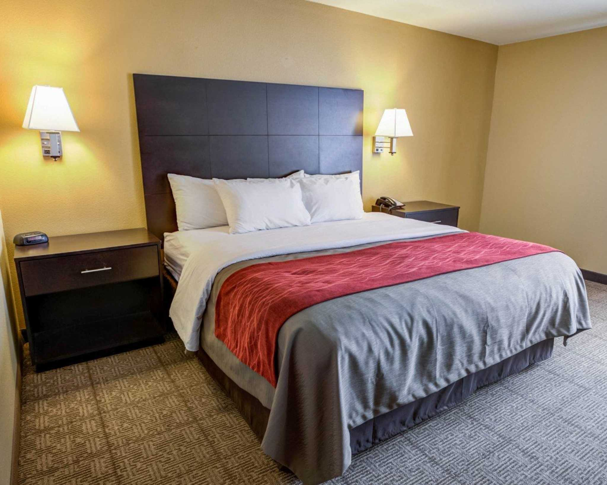 Quality Inn  U0026 Suites Lenexa Kansas City  Lenexa Kansas  Ks