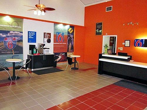 Motel 6 Harvey image 8