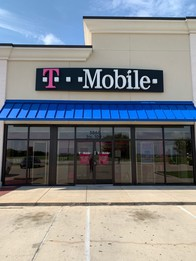 Exterior photo of T-Mobile Store at Hwy 377 & N Tarrant Pkwy, Fort Worth, TX
