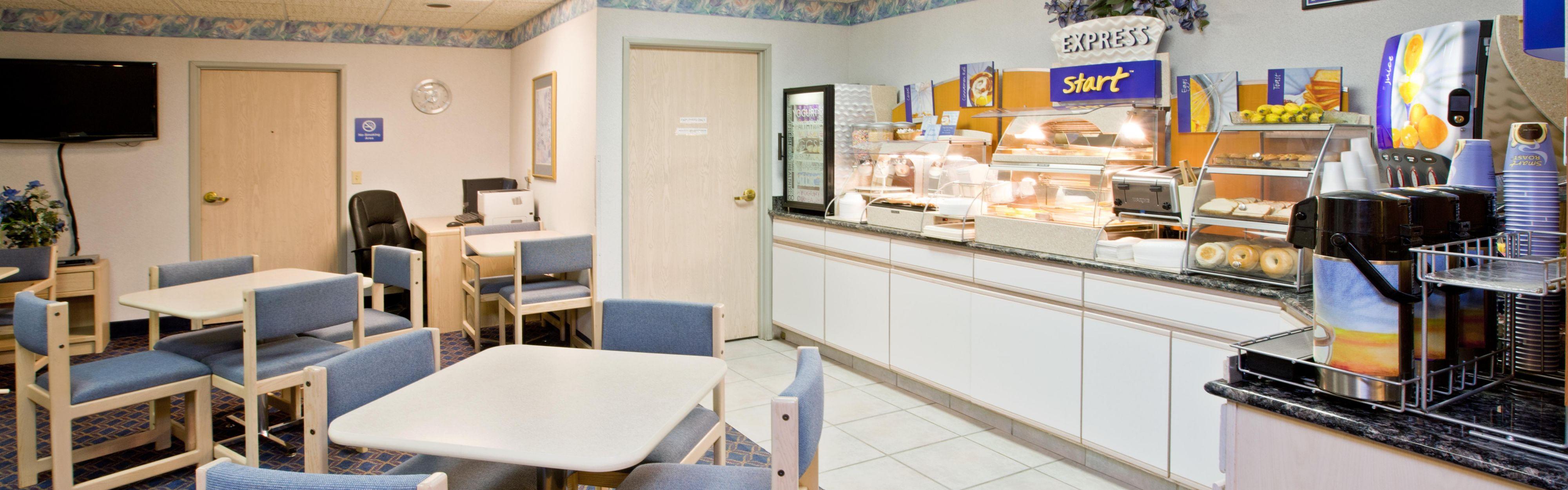 holiday inn express elkhart north i 80 90 ex 92 closed. Black Bedroom Furniture Sets. Home Design Ideas