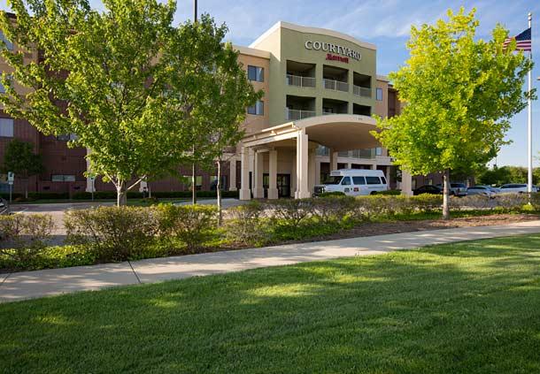 Courtyard Dallas Arlington South