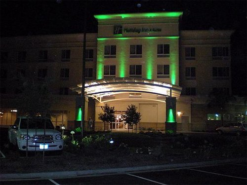 Holiday Inn Hotel Suites Bakersfield In Bakersfield Ca
