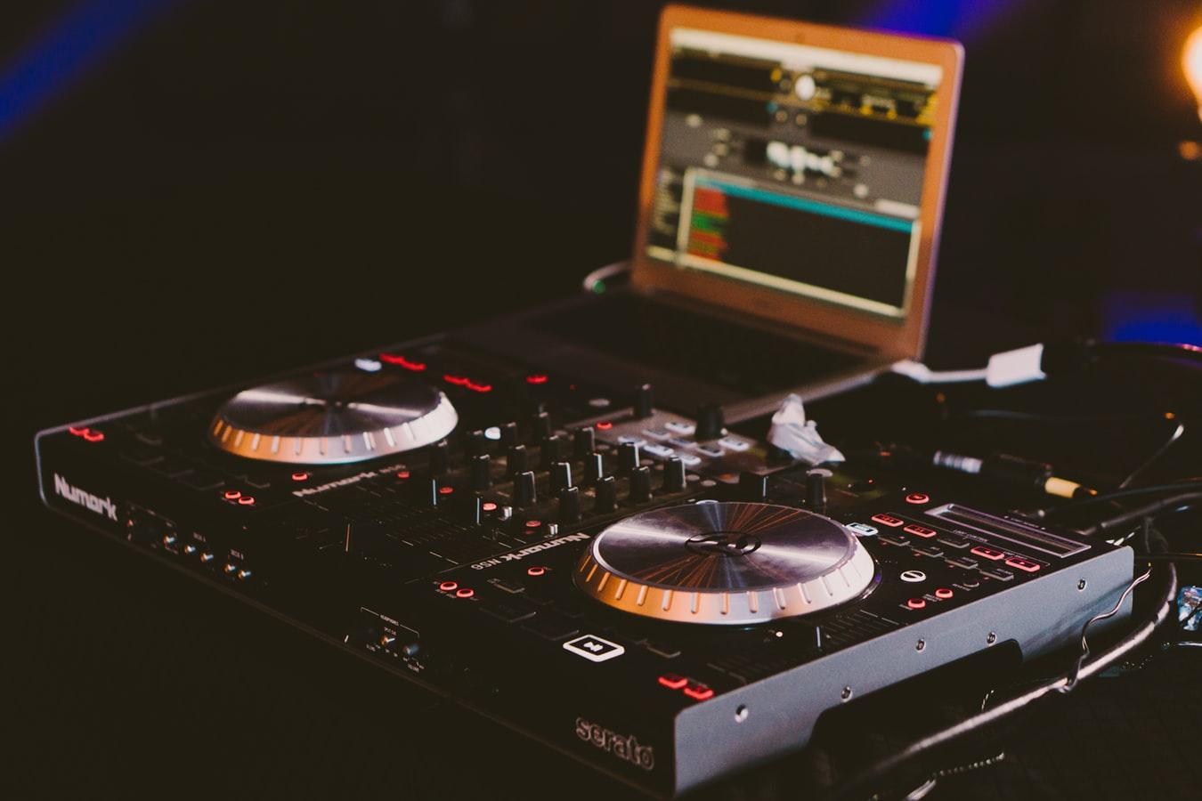 DJ Kurt Lewis