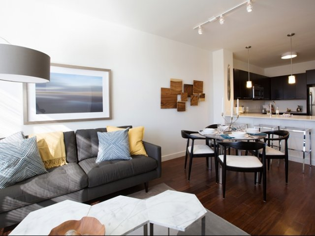 Chelsea Commons Apartments Reviews
